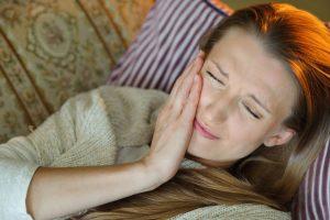 虫歯や歯周病でない歯の痛み。それTCHが原因かも